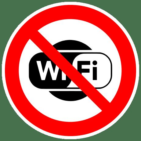 In een rond verkeersbord met een rode rand staat 'WiFi'. Dit woord is rood doorgestreept: er is (tijdelijk) geen WiFi beschikbaar.